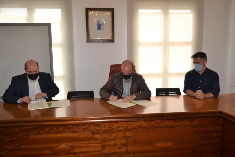 Asinado un convenio co Concello de Bueu para promover un concurso de ideas no barrio da Banda do Río